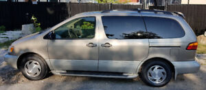 2000 Toyota Sienna 4DR XLE, from BC, 203km, excellent condition