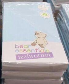 100 brand new packs of Izziwotnot Bear Essentials Interlock Fitted cot Sheets £100 no offers