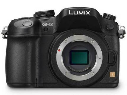 DIGITAL SLR CAMERA - PANASONIC LUMIX DMC-GH3 EXCELLENT CONDITION