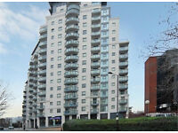 Canary Wharf E14. Light, Modern & Spacious 3 Bed 2 Bath Furnished Flat in a Popular Building