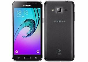 Téléphone Samsung Galaxy J3 16GB AMOLED SM-J320W8 (Déverrouillé)