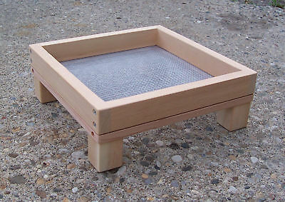 Medium Cedar Ground Platform Bird Feeder, w/ Screen