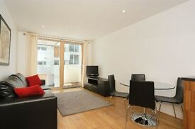 1 bedroom flat in Barking Cantral, Cutmore Ropeworks, Barking IG11