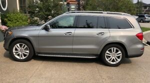 PRICE REDUCED! 2015 Mercedes GL 450 4MATIC - low Kms, one owner