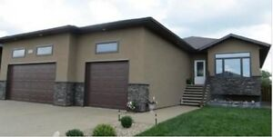Beautiful move in ready family home in great neighbourhood