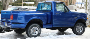 1992 Ford F-150 Flare-side Pickup Truck