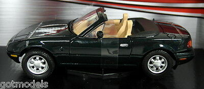 Motormax 1/24 Scale 73262G Mazda MX5 Roadster MK1 Miata Eunos Green Model Car