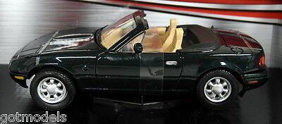 Motormax 1/24 Scale 73262G Mazda MX5 Roadster MK1 Miata Eunos Green Model Car