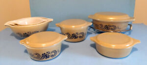 VINTAGE, PYREX,  LOT de 7 BOLS HOMESTEAD et un SUPPORT