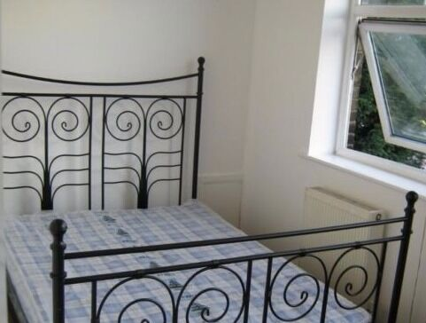 1 Bed Flat - Tapp Street - BETHNAL GREEN