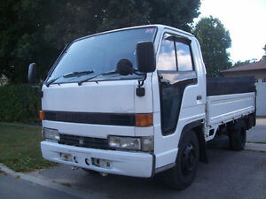 1992 Isuzu ELF 4x4 Flat Bed Truck
