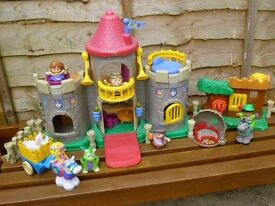 Fisher Price Little People Castle and Robin Hood's hideout with figures and accessories