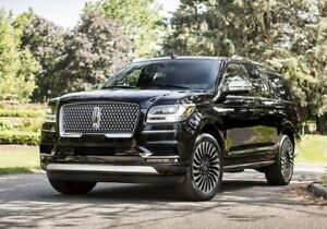 Wanted: Buying 2018 Lincoln Navigator in black/brown black/black