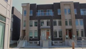 Etobicoke South, Townhome on Rent $2650 monthly