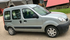 REDUCED PRICE Renault Kangoo Authentique wheelchair adapted