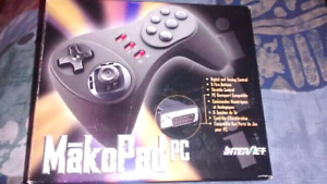 MākoPad PC Game Controller by Interact