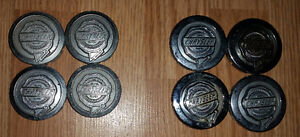 Set of 4 OEM center caps for Chrysler - 2 different types