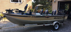 Fantastic 17' Family Fishing Boat/Trailer in Amazing Condition