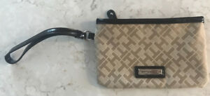 NEW Tommy Hilfiger Wristlet / Cellphone Holder!