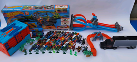 Ultimate hot wheels package and dragons toys