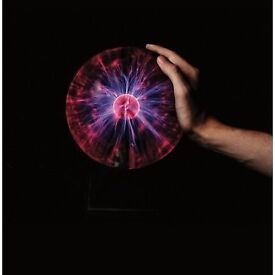 """LARGE 8"""" PLASMA BALL GIVES LIGHTING EFFECT WITH TOUCH OR SOUND COMPLETE WITH BOX"""