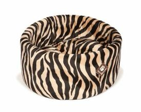 New Danish Design Soft Cosy Round Cat Bed High Quality Luxury Cat Bed For Posh Cats