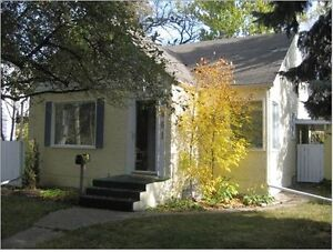 Prestigious 1.5 story house cozy 4 bedroom homeon Kildonan Drive