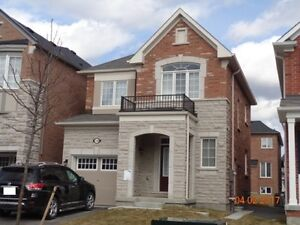 Detached 3 BR House for rent in Bayview Wellington, Aurora