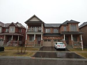 Semi Detached 3 Bed Room House for Lease in Markham