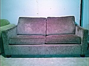 Love seat for sale London Ontario image 1