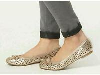 Brand new Dorothy Perkins Ballerina style flat shoes size 7