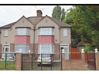 A lovely 3 bedroom house in Hayes