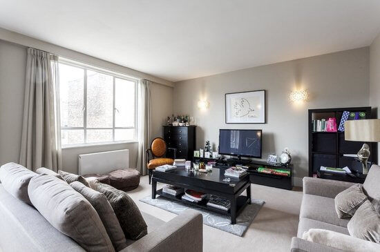 Stunning and spacious two bedroom flat on Harley Street *** call now for viewing ***