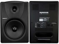 Mackie Mr8 Monitors with Stands