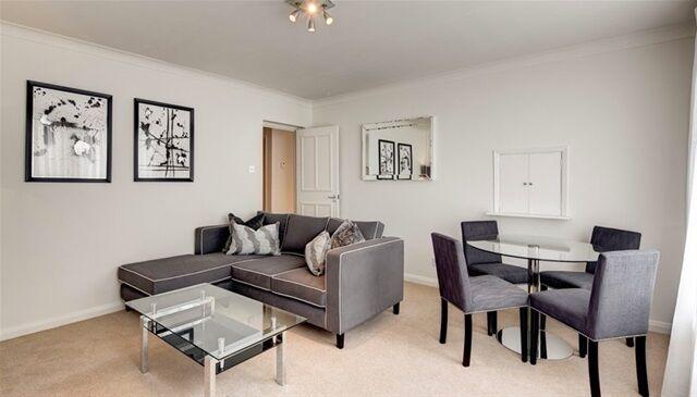 2 bedroom flat in 161 Fulham Road, Chelsea