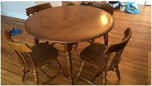 "42"" Solid Maple Apt size Dining Room Table and chairs"