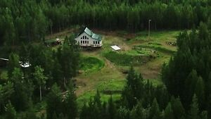 House & Acreage - Country Living - On or Off Grid Tons of Extras
