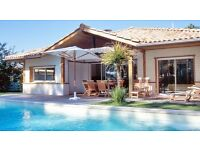 FRANCE - Summer Season Pool Cleaners