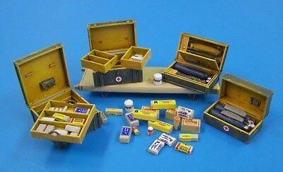 Plus Model 1:35 German Medical Set Resin Diorama Accessory #434