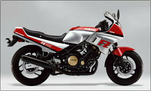 Yamaha FZ 750cc.  Complete Plastic body fairings