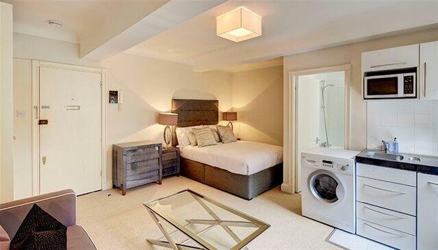 Studio flat in Pelham Court, 145 Fulham Road, Chelsea