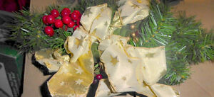"NEW 18"" Christmas swag with gold lace decor, other swags Kitchener / Waterloo Kitchener Area image 2"