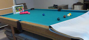 POOL TABLE 8X4 IN EXCELLENT CONDITION