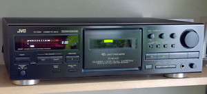 LOOKING FOR A CASSETTE PLAYER