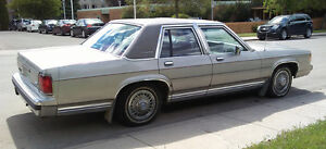 1991 Ford Crown Victoria Sedan
