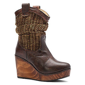 BED | STÜ BOOTS  SIZE 8