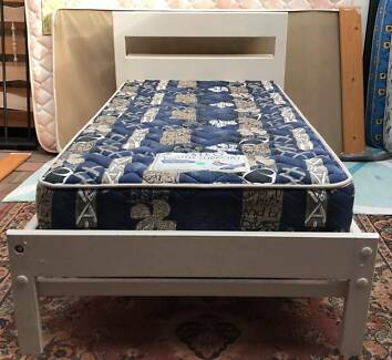 Excellent condition wooden single bed set for sale. Delivery avai
