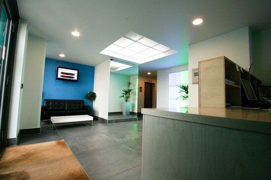 MODERN STYLISH Two Bed Apartment Available To Rent