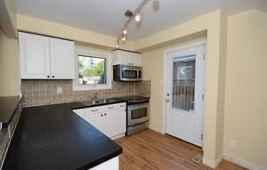 Detached House for Sale in Cambridge!! Cambridge Kitchener Area image 3