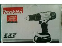 Makita 18-volt Combi Drill 1.5 Ah 3 lithium ion brand new batteries